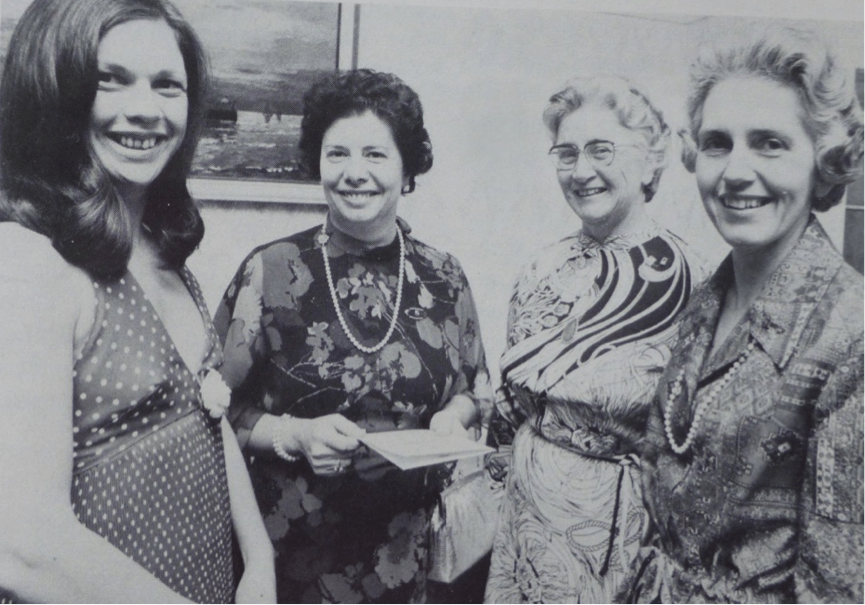 Robyn Lemming (Manawatu charter club president) with International President Eleanor Jammal, D16 Governor Judith Dey and Lt Governor Beverley Bennett